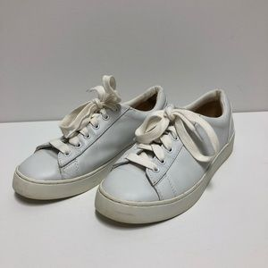 Vionic White Leather Sneakers